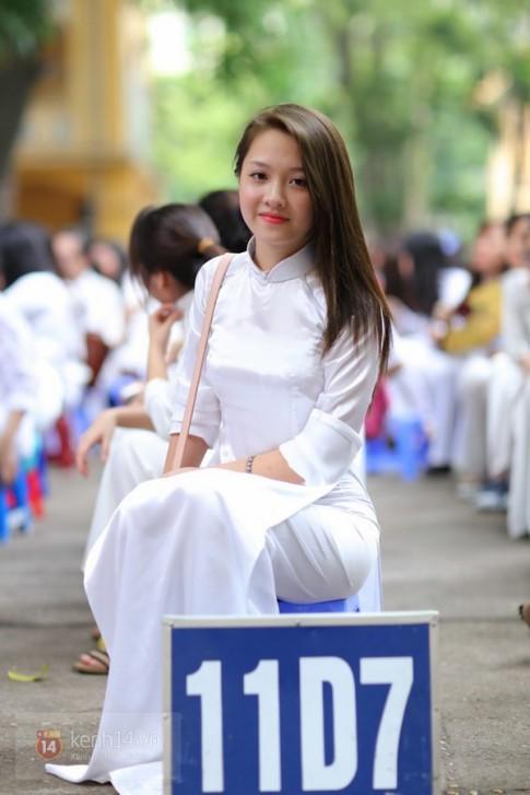 Nữ sinh Hà Nội xinh đẹp ngày bế giảng