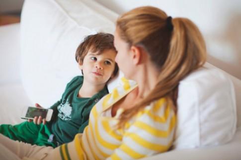Phương pháp để dạy con biết lắng nghe người khác