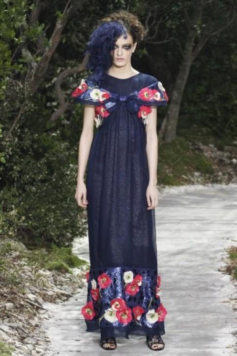 'Rừng hoa' lộng lẫy của Chanel