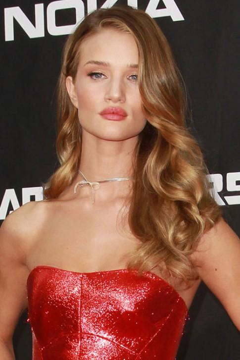 Sao Hollywood quyến rũ với tóc chải lệch (2)