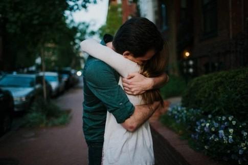 """Sau cơn sốt """"Em yêu anh"""" của các bà vợ, hãy nói lời yêu thương nhiều hơn!"""