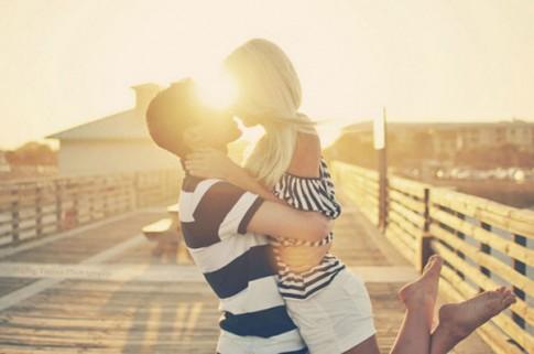 Sự biến đổi nhanh chóng giữa tình yêu trước và sau tuổi 20