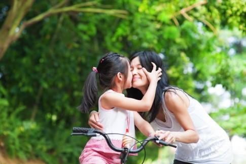 Sự thật gây sốc về cô con gái của người yêu