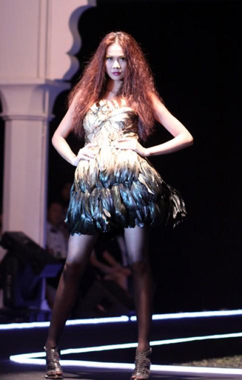 Thanh Hằng mở màn ấn tượng đêm thời trang Thu Đông