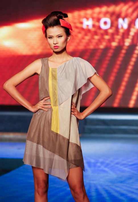 Thiết kế tại Vietnam Fashion Week ngày 6/12
