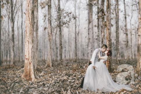 """Tình """"hụt"""" nhớ đời và bộ ảnh cưới ngập tràn cảnh hôn của cặp đôi nhiếp ảnh"""