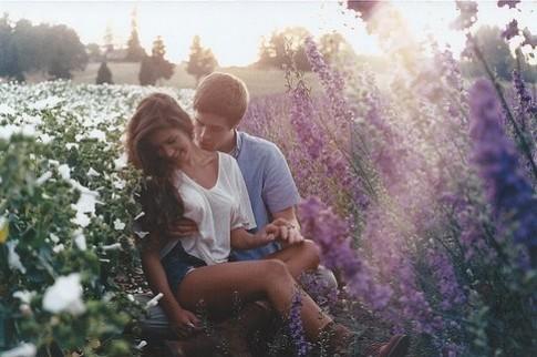 Tình yêu còn là hi sinh và bao dung cho nhau...