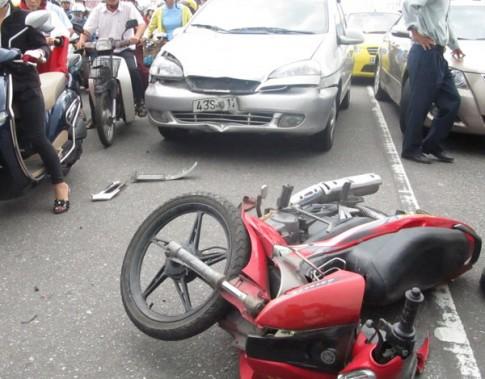 Tôi sẽ ân hận cả đời nếu bỏ rơi người bị tai nạn trên đường