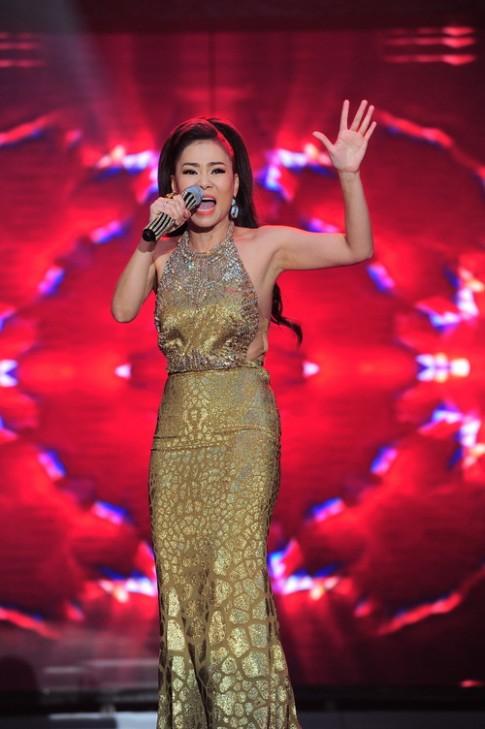 Trang phục bắt mắt của Thu Minh trong liveshow 20 năm