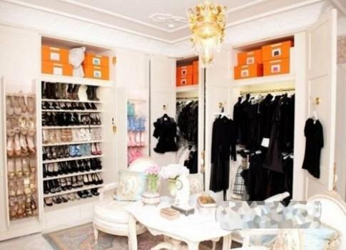 Tủ giày phong phú của Victoria Beckham