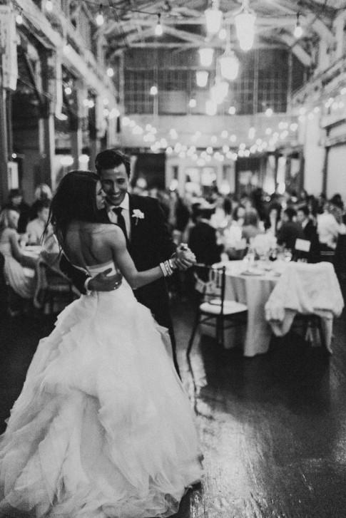 Xin lỗi, đã để em đợi chờ quá lâu rồi. Xữ nữ, mình làm đám cưới nhé?