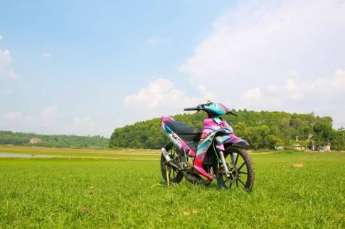 Yamaha Z125 độ nổi bật với dàn áo sơn tem đấu