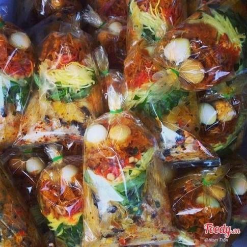 """10 món ăn vặt có khả năng """"gây nghiện"""" cực cao ở Sài Gòn"""