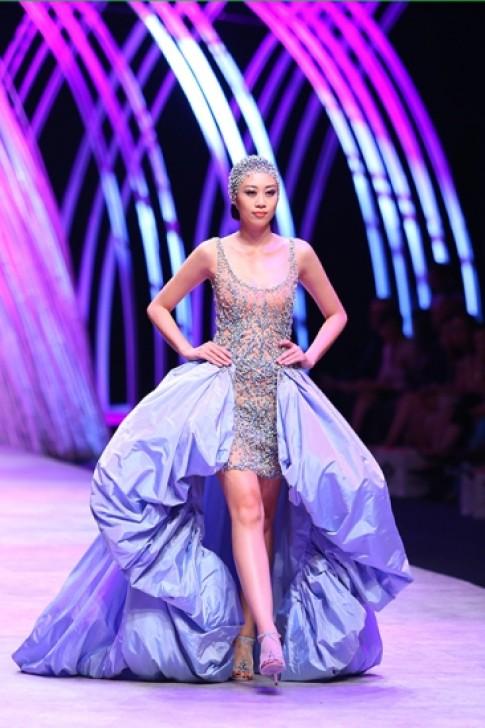 10 thiết kế đẹp nhất Tuần thời trang Quốc tế Việt Nam