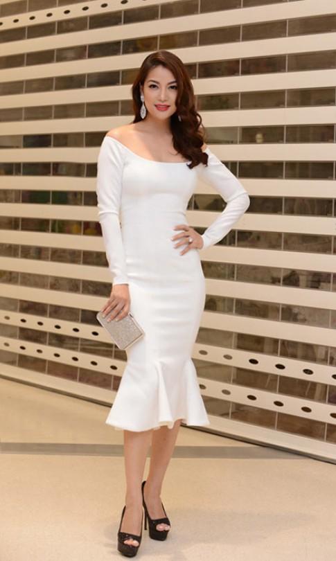 3 kiểu váy áo giúp Trương Ngọc Ánh giữ tuổi thanh xuân