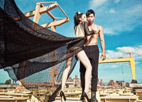 6 bức ảnh đôi đẹp nhất Siêu mẫu 2012