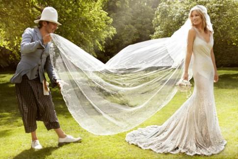 7 bộ váy cưới ấn tượng của các siêu mẫu