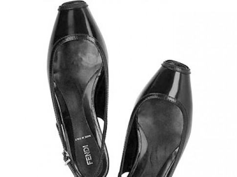 7 mẫu giày hút khách nhất thế giới