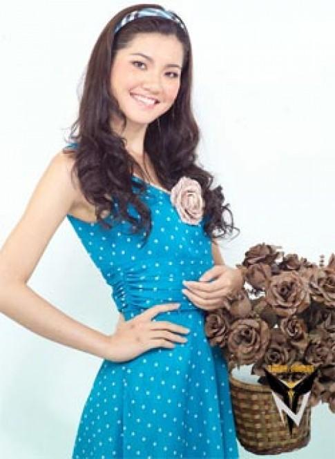 Á hậu Ngọc Lan với gu thời trang hiện đại và cá tính