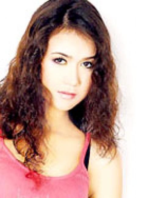 Alexandra Nguyên Sa muốn được nổi tiếng ở VN