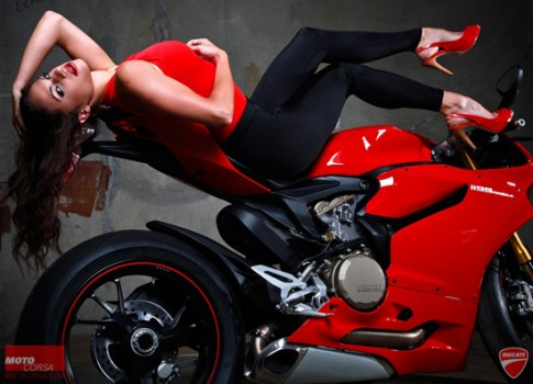 Ảnh hot girl VS Ducati 1199 @@