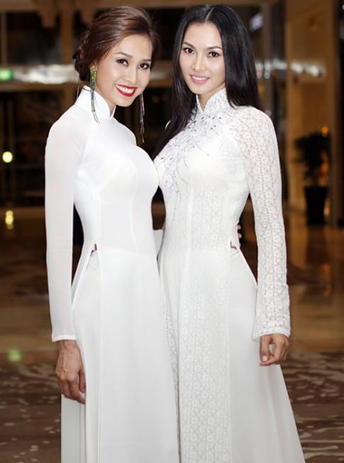 Anh Thư, Dương Mỹ Linh thướt tha áo dài Việt