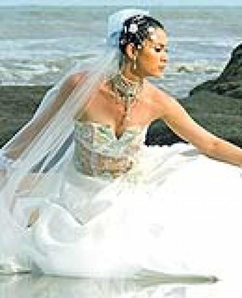 Áo cưới lãng mạn