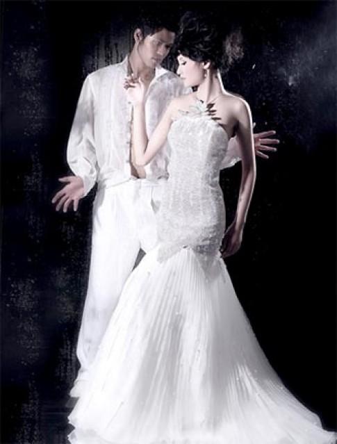 Áo cưới Moza lập quỹ từ thiện