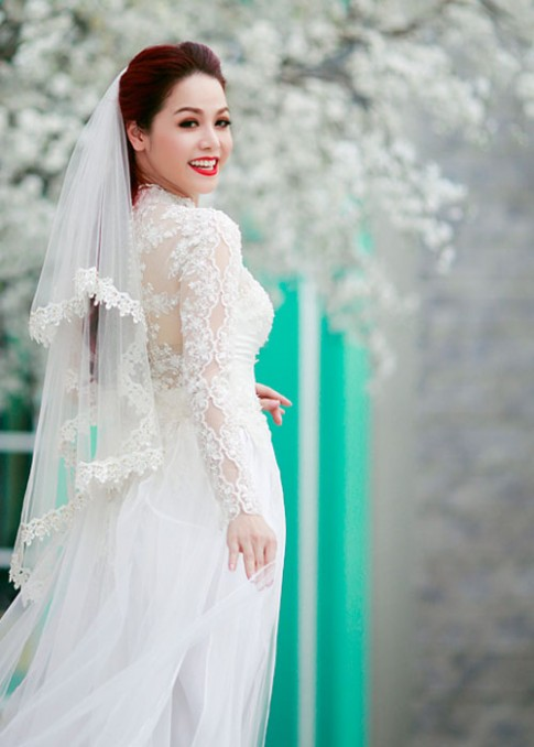 Áo dài cách tân thành váy cưới, đồ dạ hội