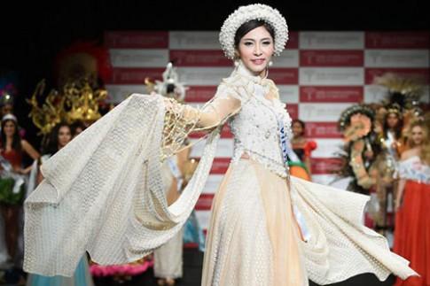 Áo dài của Thu Thảo được bình chọn Trang phục dân tộc đẹp nhất