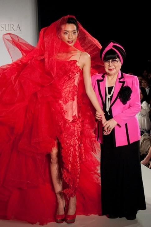 'Bà hoàng' áo cưới Nhật mang bộ sưu tập đến Việt Nam