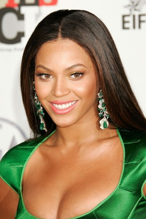 Beyonce biến hóa mái tóc theo thời gian