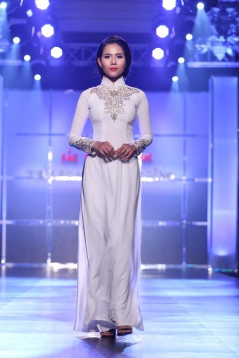 Bộ sưu tập áo dài của nhà thiết kế Minh Châu (tiếp)