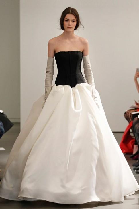 Bộ sưu tập váy cô dâu lạ lẫm của Vera Wang (2)