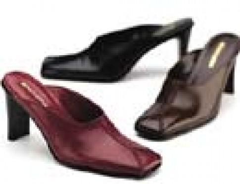 Các mẫu giày được ưa chuộng trong mùa hè