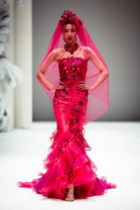 Các mẫu thiết kế áo cưới của Yumi Katsura