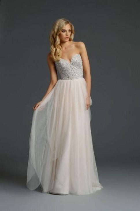 Các mẫu váy lộng lẫy cho đám cưới xuân hè 2015