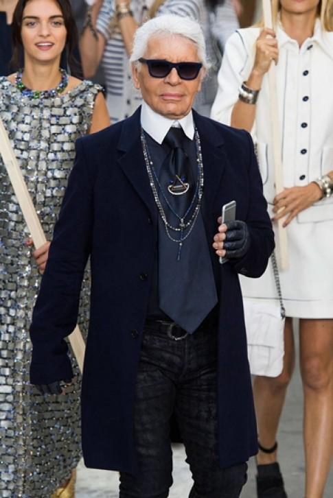 Các nhà thiết kế đọ gu thời trang trên catwalk