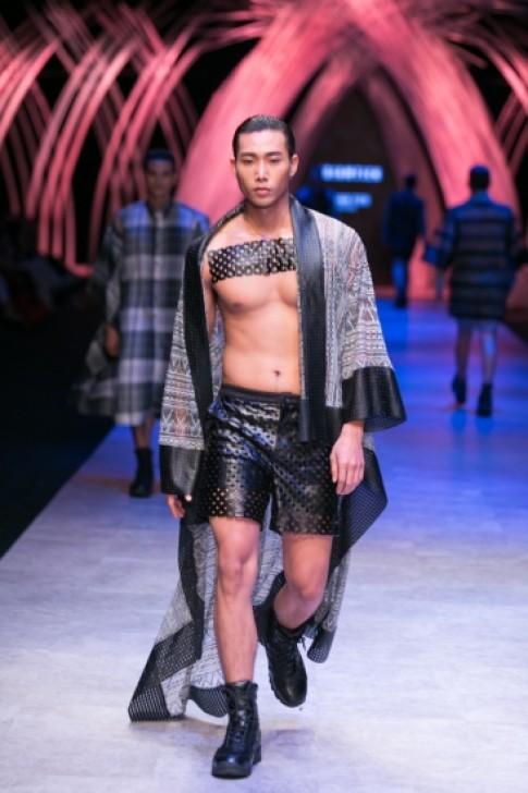 Các thiết kế gây sốc ở Tuần thời trang Quốc tế Việt Nam