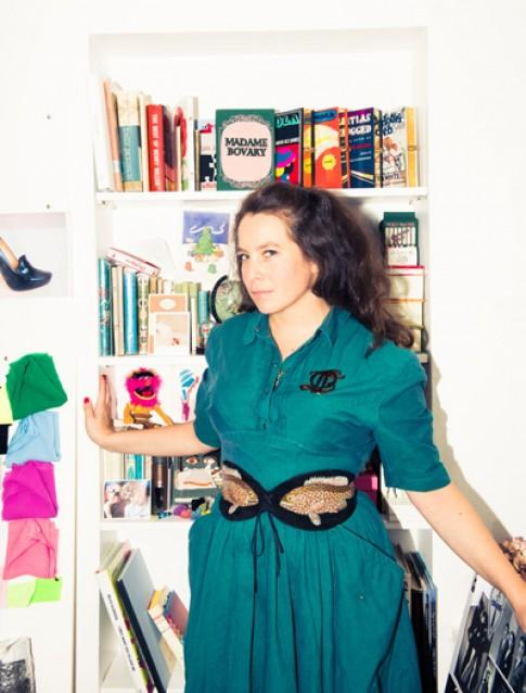 Căn phòng thời trang ngập màu sắc của nhà thiết kế gốc Việt