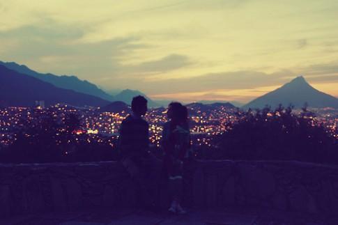 Càng lớn, càng thấy khó để yêu một ai đó!