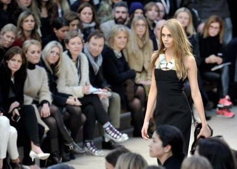 Cara Delevingne - người mẫu trẻ thống lĩnh các sàn diễn