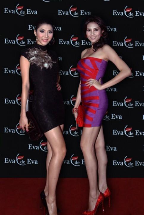 'Chân dài' khoe sắc tại showroom Eva de Eva Đà Nẵng