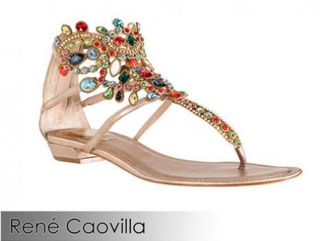 Chân xinh với sandal bệt