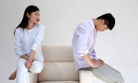 Chồng sắp cưới tuyên bố không bao giờ ngủ lại nhà vợ vì... bẩn