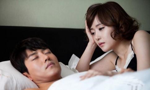 Chồng xin lỗi bồ vì… lên giường với vợ