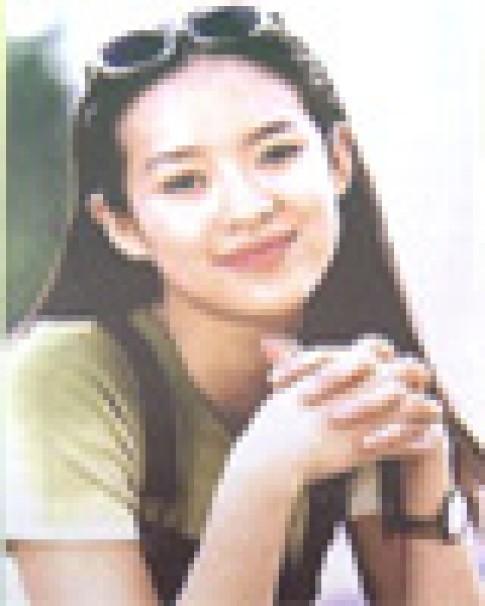 Chuong Tu Di lam nguoi mau trang bia cho ELLE