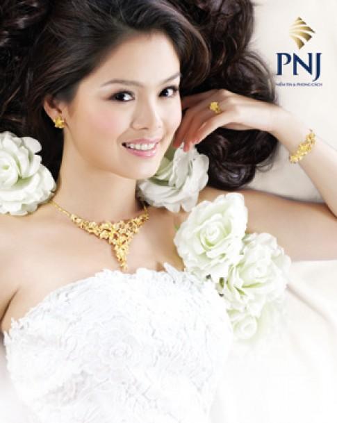 'Cô dâu' Tuyết Ngọc rạng ngời bên trang sức cưới PNJ