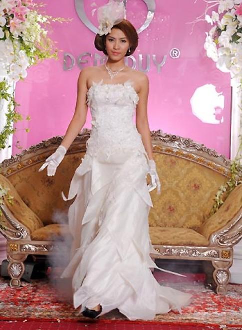 'Dạ khúc phiêu bồng' - áo cưới cho mùa xuân