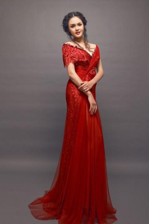 Đầm dạ hội và dự tiệc của Hoàng Anh tại Miss Earth